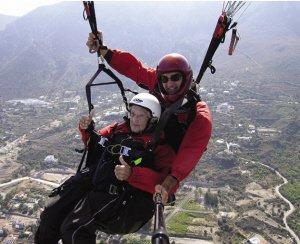 世界最老极限运动爱好者去世 104岁跳伞庆生-跑酷街