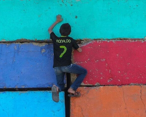 巴勒斯坦青年废墟上的跑酷梦-跑酷街