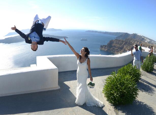 英国小伙婚礼上玩跑酷 幸福羡煞旁人-跑酷街