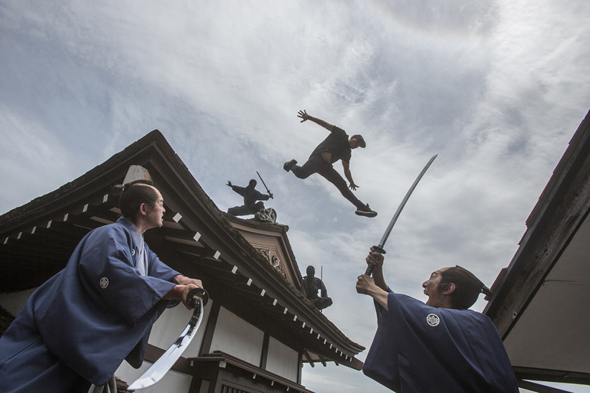 """德国跑酷大神在日本开跑 化身""""忍者""""飞檐走壁-跑酷街"""