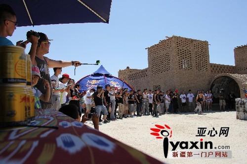 2015红牛跑酷大赛新疆站落幕 前三名晋级全国总决赛-跑酷街
