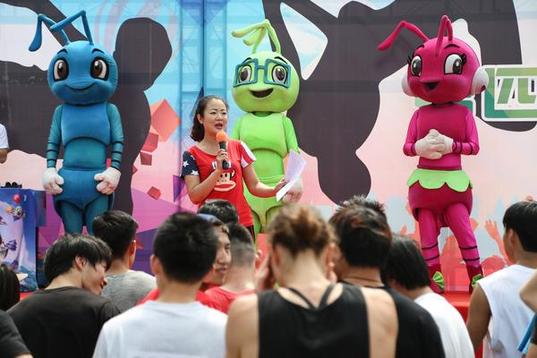 北京欢乐谷举办第四届全国跑酷精英赛庆祝端午-跑酷街