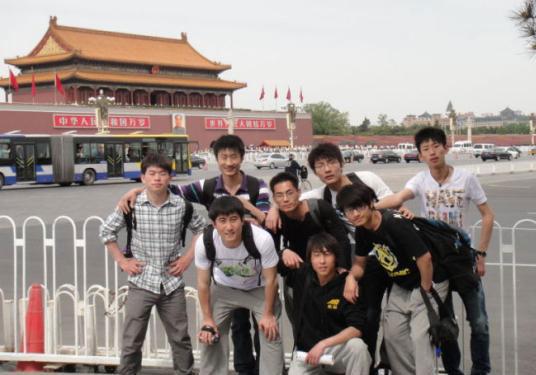 NED运动品牌的创始-艰难十年背后的大男孩跑酷者-冯钢-跑酷街